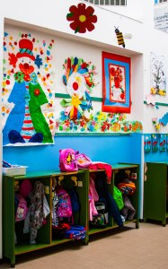 Entrada de la escuela infantil